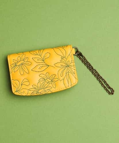Sybilla(シビラ) 花刺繍 パスケース イエロー フリーサイズ